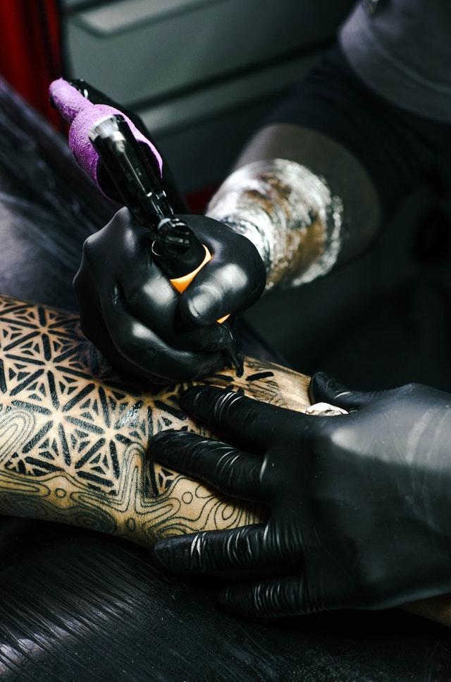 Vart gör man en tatuering i Sverige?